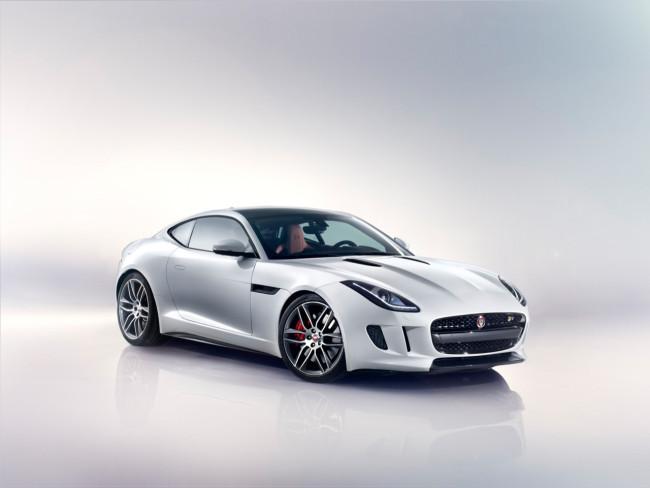 01 Jaguar F-type R Coupe