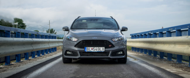 Test Ford Focus ST TDCi PowerShift : Zábava 24/7 bez výčitiek