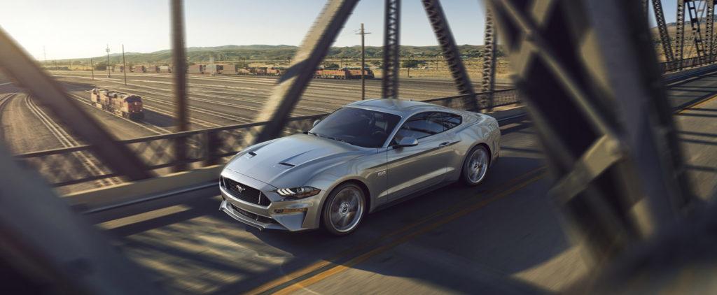 Facelift prinesie Mustangu smutný výraz, ale aj 10-stupňový automat