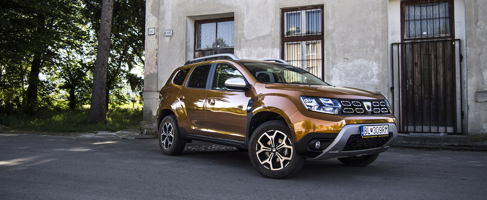 test dacia duster tce 125 4 4 druh kr t ale teraz v borne. Black Bedroom Furniture Sets. Home Design Ideas