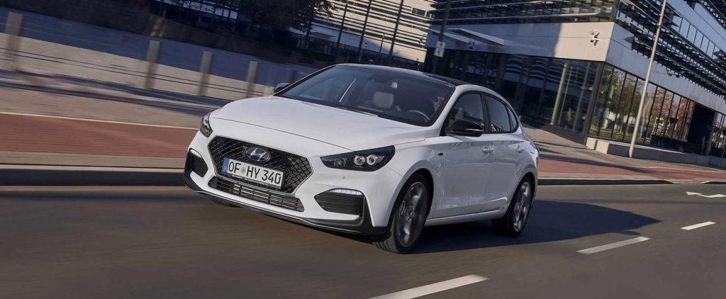 Hyundai prihodí modelu i30 Fastback športovejšiu vizáž N-line