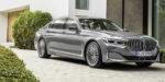 BMW ukázalo inovovanú sedmičku, okrem veľkých nozdier má aj nový osemvalec