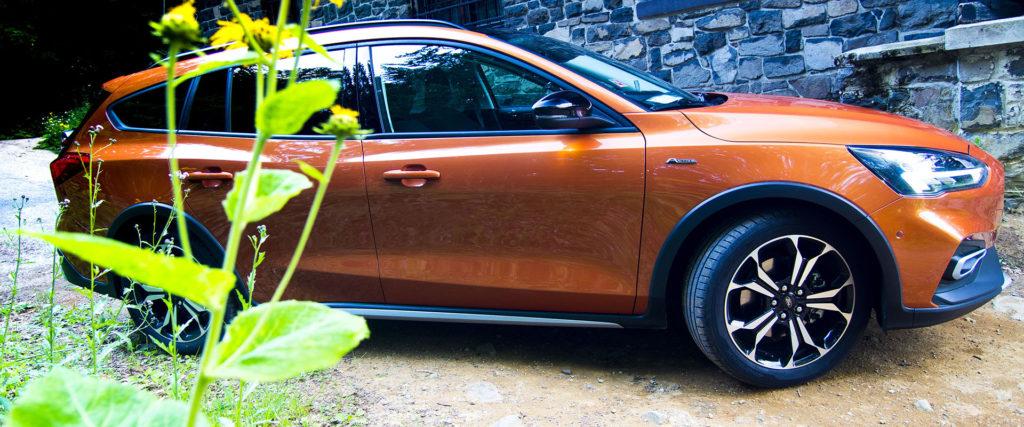 Test Ford Focus Kombi 1.5 Ecoboost Active: Výrazný nadpriemer