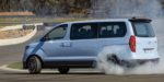 Hyundai má MPV iMax N ktoré jadzí bokom