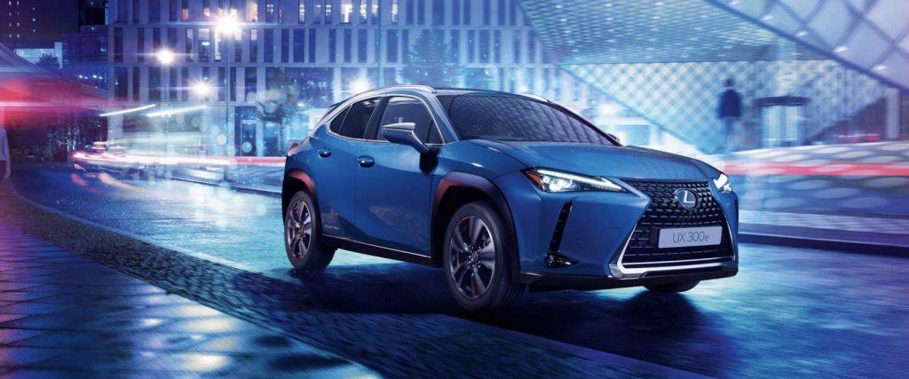 Lexus predstavil plne elektrický UX300e
